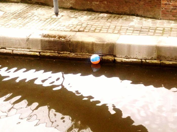 Ball Water River Canal Street Float Beachball Cement Murky Vintage Day Colour Street Tile Stream Ledge