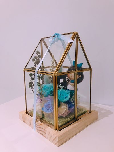 Memory Everlasting Flowers Ribbon Love Gift Present Dry Flower  Glass House Flower Dryflower Aliceinwonderland Alice Alice In Wonderland EyeEm Selects Indoors  Wealth No People Still Life Finance Container Transparent Blue Glass - Material Shiny