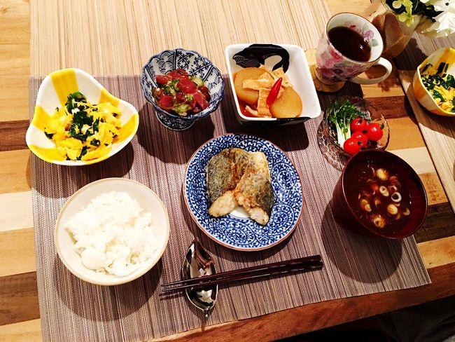 Today's Dinner 鰆のバター焼き ニラ玉 大根と油揚げの煮物 なめこと豆腐の赤だし ととぶつ屋の ねばとろまぐろ Healthy Eating Ready-to-eat Japanese Food SoDelicious Cooking Food Porn Foodporn Dinner Time Spanish Mackerel Butter Nira Egg Radish Aburaage Nameko Tofu Tuna