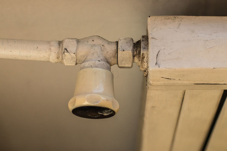 Central Cold Control Energy Fashioned Heat Heater Heating Home House Knob Metal Old Paint Pipe Radiator Retro Set Temperature Thermostat Valve Warm Warmth Water White Winter No People Indoors  Close-up Wall - Building Feature Focus On Foreground Bathroom Still Life Home Interior Wood - Material Faucet Selective Focus Hygiene White Color Day Simplicity Domestic Room Bathroom Sink