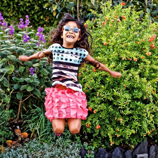 Children Child Cute Girls Plant Portrait Lourdes Jardin Enfant Saut Smile Sourire Canon 70d Sigma 18-35 F1.8 Canonphotography Sigmaartlens Sigmaart Canon Outdoors Beauty Childhood