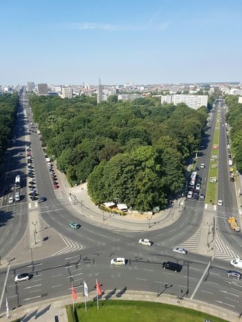 Tree Aerial View Day Growth Outdoors No People Sport Horizontal City Traffic Circle Sky Looking Down Mobilephotography EyeEm Best Shots City Life Berliner Ansichten Photooftheday Picoftheday Travel Destinations Picoftheweek Exterior