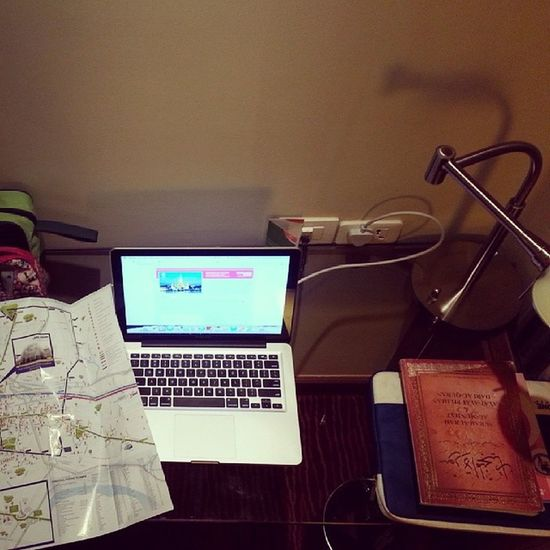 Workstation for 5 days. I've a job to be done for my team. Lets! :) Businesstrip Gateaway Marriothotel linazahrahdotcom