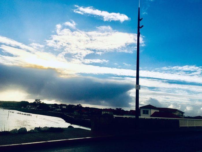 See & sky Cloud