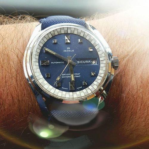 New entry Vintage Sicura (1975) 25 jewels Baumgartner 185 TOP 👍 Sicurawatch Vintagesicurawatch Vintagewatch Watch instawatchorologiepassioniorologiwristwatchhistorywristwatchwristpornanni70stylekillervintagewatches25jewelsinstawwristscan