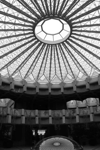 Ceiling Low Angle View Indoors  Built Structure Architecture No People Day Dome Architectural Design Architecture Architecture_collection Black And White Blackandwhite Photography Blackandwhite Enjoying Life Hanging Out Taking Photos EyeEm Best Shots Check This Out Instituto De Patrimonio Cultural De España Moncloa Ciudad Universitaria Eye4photography  Architectural Detail Architecturelovers The Architect - 2018 EyeEm Awards