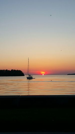 Relaxing Sunset Put In Bay South Bass Island Lake Life Sailboat In Sunset