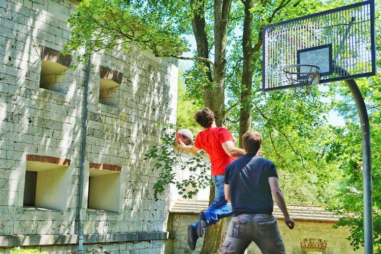 basketball #1 Basketball Shortexposure Freezing Freezeframe Tree Togetherness Bonding Men Friendship Love Architecture Building Exterior Casual Clothing Built Structure