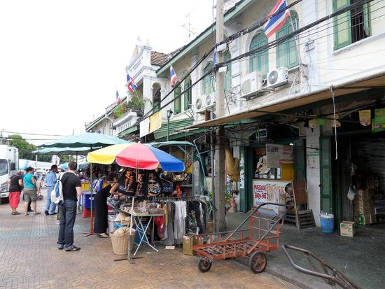 Adult Adults Only Architecture Bangkok City Bangkok Streetphotography Building Exterior Built Structure City Day Large Group Of People Men Outdoors People Real People Sky Street Women