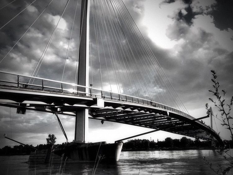 Bridge - Man Made Structure Architecture Bnw_friday_eyeemchallenge Bnw_bridge Cloud - Sky Water Low Angle View River Outdoors