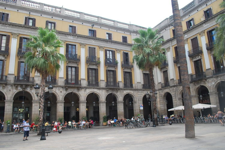 Adult Adults Only Architecture Barcelona Barcelona, Spain Building Exterior Built Structure Catalonia Catalunya City City Life Day Large Group Of People Men Outdoors People SPAIN Square Travel Destinations