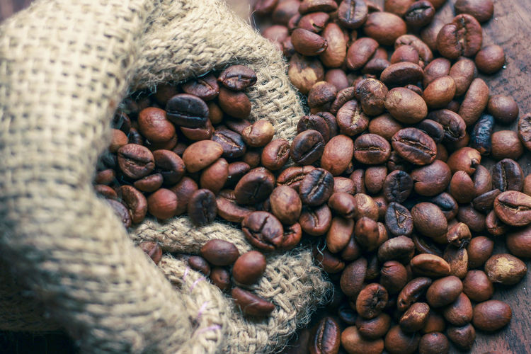 Abundance Arabicacoffee Backgrounds Basket Brown Cafe Close-up Coffee Coffee Shops Coffee Time Day Focus On Foreground Food Freshness Full Frame Group Of Objects Heap Large Group Of Objects Nature No People Nut - Food Raw Food Robusta Selective Focus Still Life