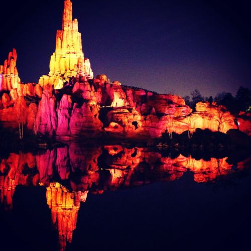 Disneyland Disney Attraction Park Bigthundermountain Red Reflection Sky Rock Hoodoo Rock Formation Rocky Mountains Sandstone Tranquil Scene Geology Cliff Canyon