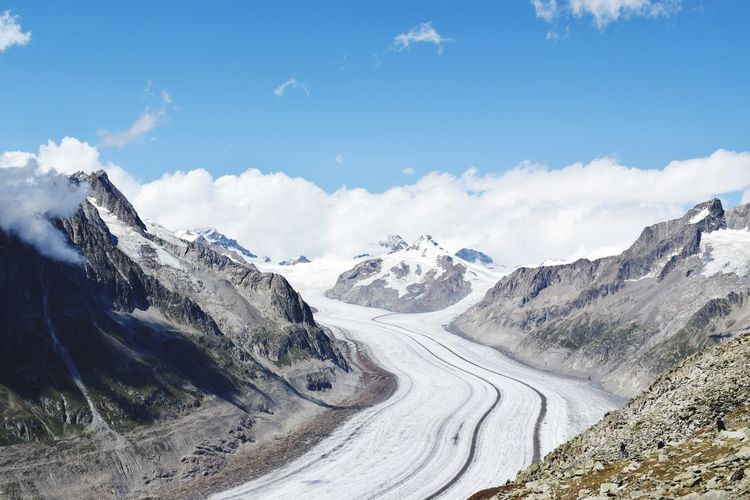The jungfrau-aletsch is the largest glaciated area in western eurasia