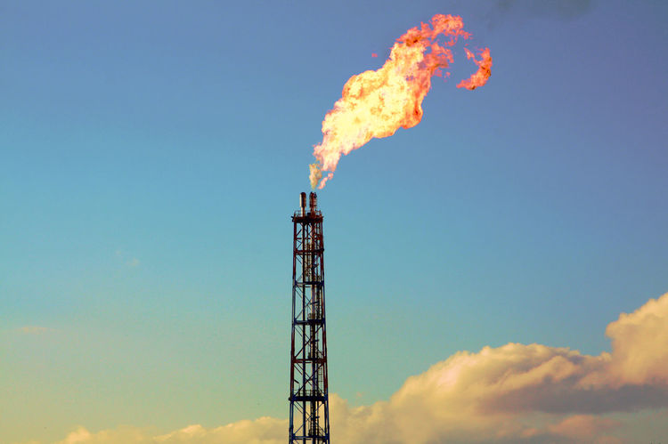 Blowout Tower Fire Skyonfire Clouds Burning Sky Natural Gas Gas Burner LNG