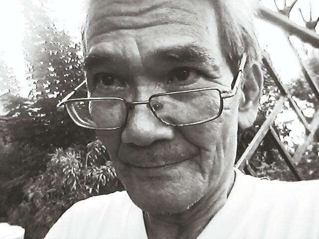 lolo Vic Portraits Mobile Photography Grandpa Closeup