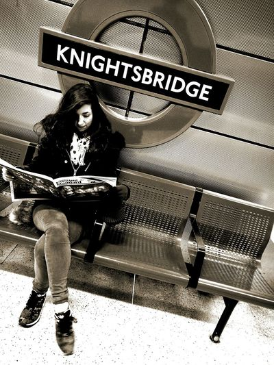 Knightsbridge Newspapers News Time ALICIA MOD'L London November2016 Subway Station HuaweiP9 Underground Station  Beautifull Girl Fs313 ...by fs313