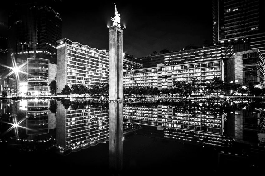 Hotel Indonesia Bundaran Hotel Indonesia Bundaran HI Bundaran HI Jakarta Black And White City At Night Architecture Jakarta Indonesia Hidden Gems  The City Light