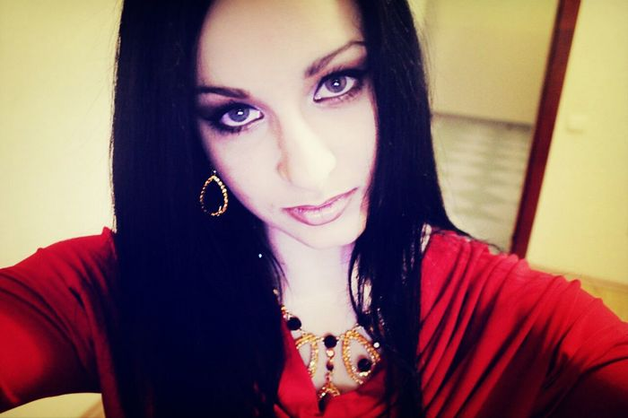 Check This Out Girl Blue Eyes Beautiful