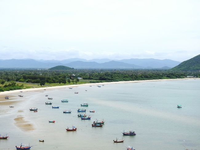 The Gulf Of Siam Ao Noi Thailand Boats⛵️ Fisherman EyeEmNewHere Prachuap Khiri Khan EyeEm Selects Let's Go. Together. Mountains Of Birma PrachuapKhiriKhan Real Thailand Beach Photography Summer ☀ Summertime Thai Mountain