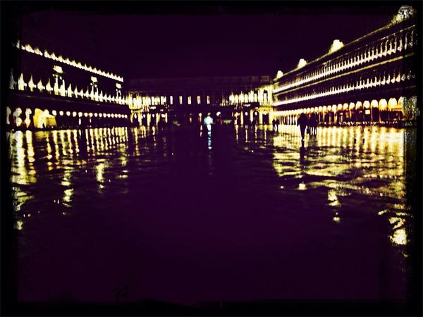 Different Seasons in Venice - it's spring Night