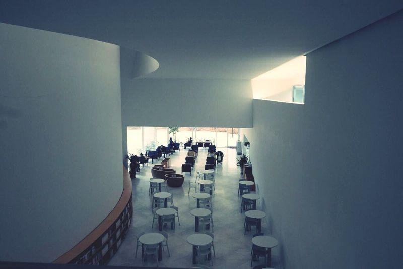 미메시스아트뮤지엄 Indoors  Table Real People Large Group Of People Men Architecture Day People Adult Adults Only
