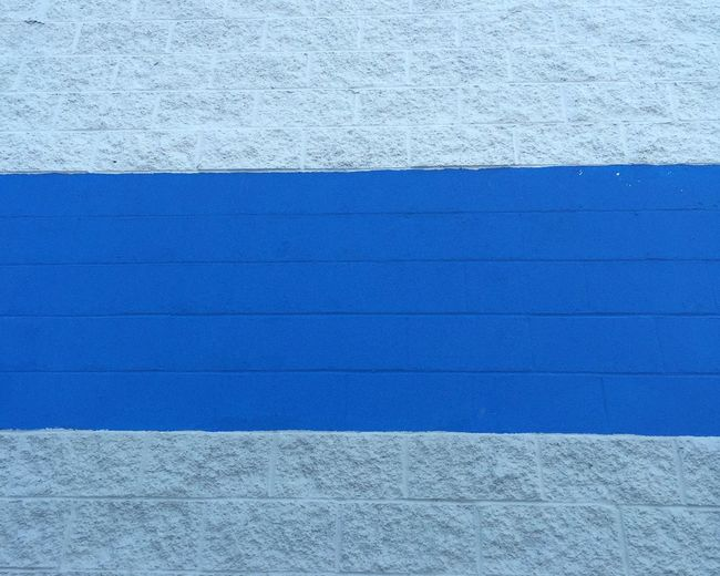Blue line. Eye4photography  Taking Photos Wall Smart Simplicity Learn & Shoot: Simplicity