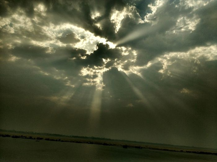 Holy_light Holy_river PhonePhotography Sunlight Clouds And Sky