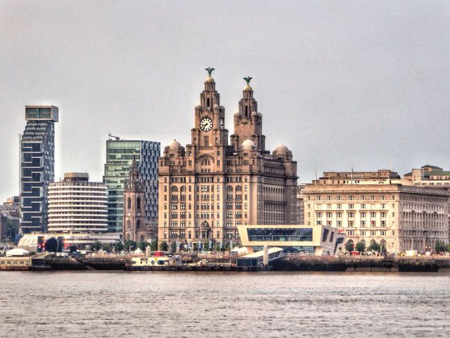 Liver building,Liverpool,docks, Bad Weather In Liverpool Taking Photos river,boats,buildings