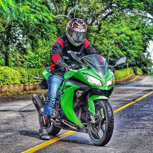 Being Ninja.. 😎 Ride Ambyvalley Kawasaki Greenarrow Ninja300 Kwaker Akrapovic Sparx Dsg Probiker Pistonaddictz Bikelife Bikersofinstagram HDR Mba Iamtheindianbiker Iffi46