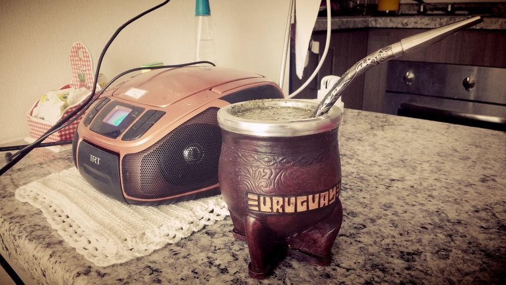 Mate Yerba Mate Radio Uruguay Relaxing Santiago De Chile Photography Eeyem Photography Eye4photography  Music Time Music Taking Photos Listening To Music Sonar FM