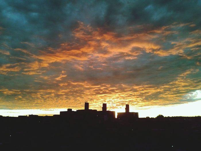 Sobre esse céu de 6:20 am... Sunshine ☀ Relaxing Peace!