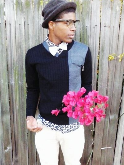 Just Thinkin..... Black And White Flowers Fit Spiffy Young Modeling Model Street Photography Photography