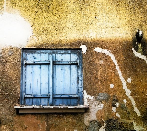 Close-up Built Structure Architecture Outdoors No People Day Residential Building House Window