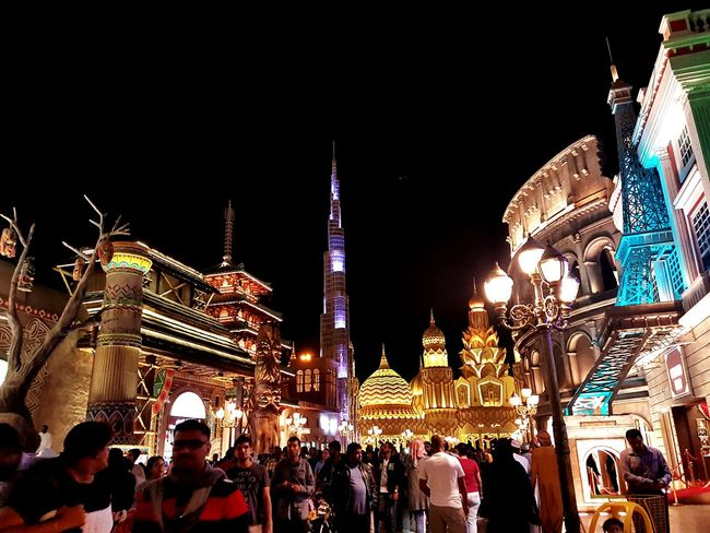 Amazing architecture and crowd, this is dubai global village! Hello World Check This Out EyeEm Best Shots Tourism Taking Photos People Of EyeEm Uaelife🇦🇪 Busy Place Having Fun Indubai Cityscapes Amazing View Street Photography Colours Of Life City Life Colorful Illuminated Architecture People IloveIT ♡