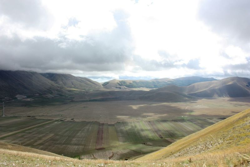Traveling Panoramic View Sky And Clouds Mountains Nature Castelluccio Italy