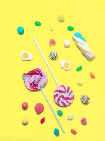 Multi Colored Yellow Candy Studio Shot Fruit Dessert Blueberry Raspberry High Angle View Arts Culture And Entertainment Yellow Background Tart - Dessert Frozen Food Ice Cream Waffle Ice Cream Cone Strawberry Ice Cream Ice Cream Parlor Sweet Food Vanilla Frozen Sweet Food Strawberry