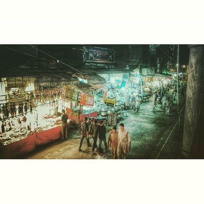 تاریک دماغ، مقفل دل اور کھلی دکانیں Bazar ShopLocal Thoughts Poetry Nightlife Lahore Timelapse Pakistan Film Lights