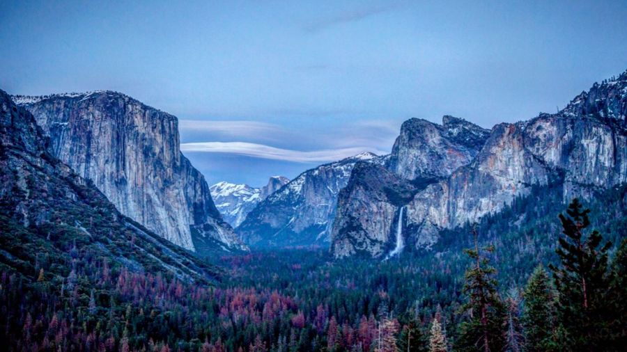 Yosemite Valley Landscape Nature Outdoors Travel Destinations Snow Tranquility Waterfalls Sky Tree Snow ❄ California Vacation Stream Hiking Trail Hiking Adventures Rock Formation RockClimbing