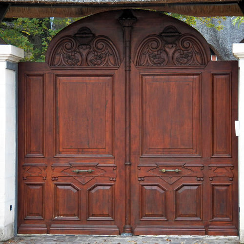 This is 3000px : It s the same of an another in my photo-s Robust Portal Carved Portal Carved In Wood Wood Carved Door Portal Doors Full Length