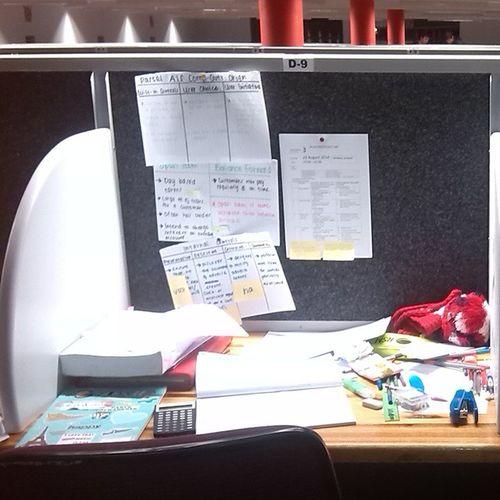 This is my life atm. Studyingfordays Stillsleepingtoomuch Ss Studycentre toomuchwords mybrainisfull help