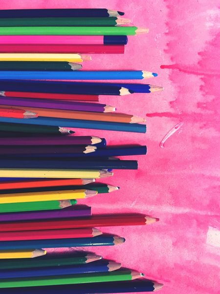 Creativity Colours Colorful Buntstifte Rainbow Colors Art Equipment Art Multi Colored No People In A Row Arrangement Pencil Indoors  Art And Craft Colored Pencil Writing Instrument Choice Variation Backgrounds Vibrant Color Pink Color