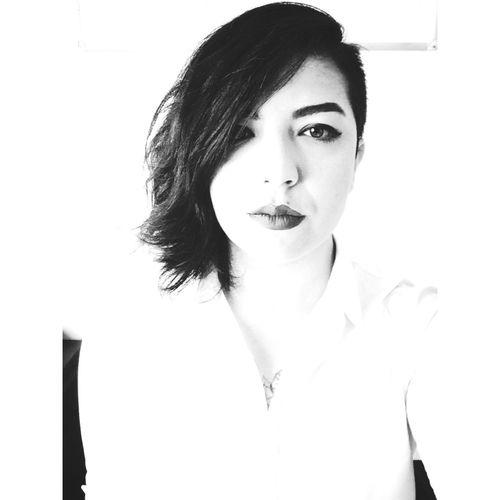 Blackandwhite Lips Sidecut Casual Istanbul