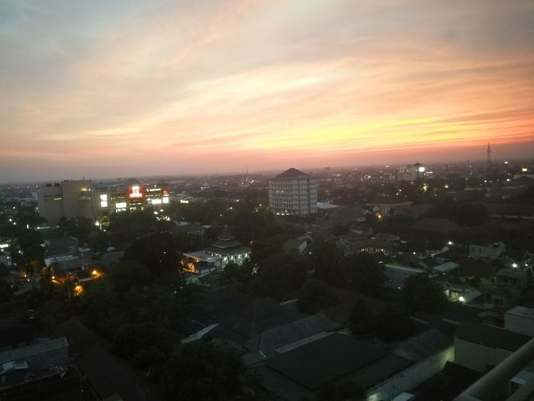 Sunset Cityscape City Cloud - Sky High Angle View Sky Downtown District Huaweimate9 Huawei Leica Huawei Mate 9 Huawei Photography Huaweishot Huaweiphotography Outdoors