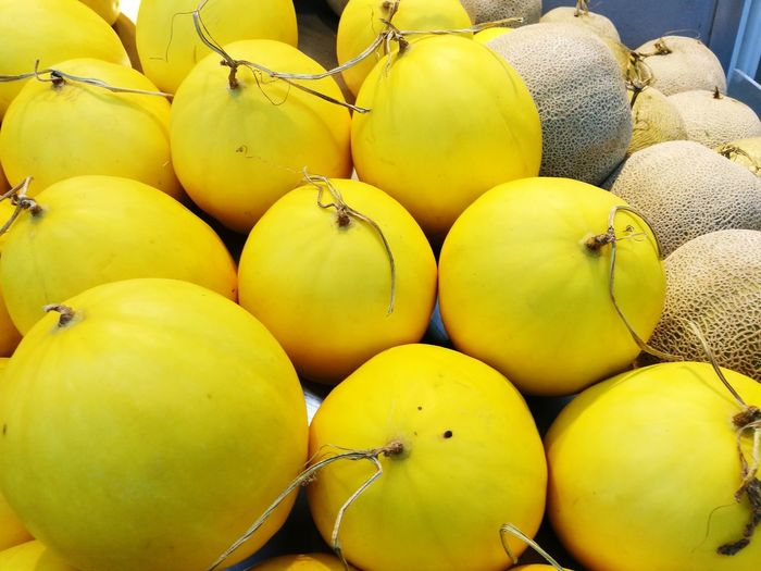 Round Pattern Fruits Melons EyeEm Selects Fruit Yellow Healthy Lifestyle Market Citrus Fruit Vitamin Close-up Food And Drink Farmer Market For Sale Ripe