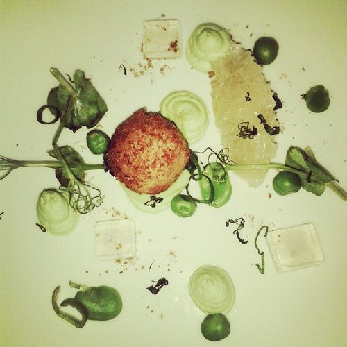 So. This is a deconstructed pea soup . What ? Food Celebration Testmenue Lamouette