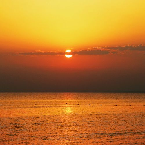 Sunset Scenics Tranquil Scene Sea Horizon Over Water Water Beauty In Nature Tranquility Idyllic Sun Orange Color Nature Majestic Atmosphere Non-urban Scene Atmospheric Mood