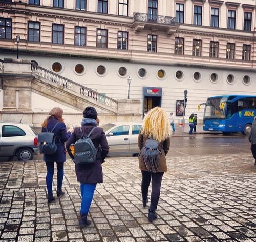 Women Around The World City Real People Walking Women Architecture Building Exterior Outdoors Day Lovely Enjoy Life Capture The Moment Happymoments Friends Wanderlust Wanderlusting✈💯 Follow4follow Followme Photographylovers Travelphotography Traveller Travelingtheworld  EyeEmNewHere EyeEm Diversity