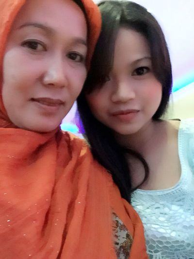 With Mom 👩🏻😘