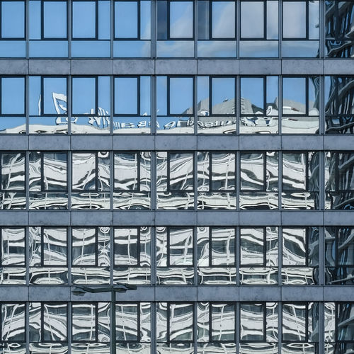 Architecture Built Structure Day Full Frame No People Building Exterior Pattern Backgrounds Modern Building Outdoors Window Glass - Material City Office Building Exterior Repetition Office Reflection